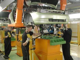 Производство легковых автомобилей в России выросло на 15%