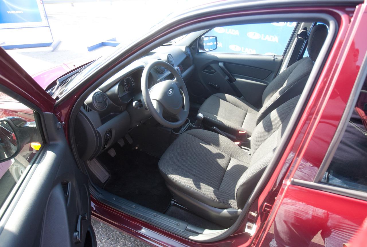 Lada Granta, фото салона авто, салон автомобиля -Lada Granta.
