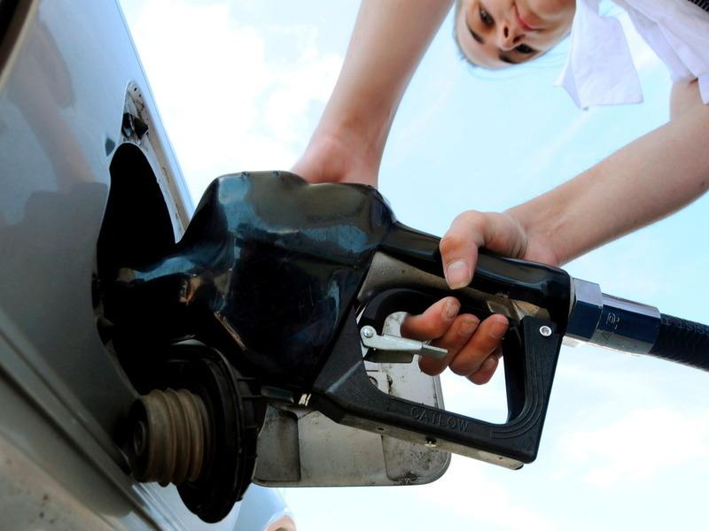 С начала года бензин в России подорожал на 13,7%