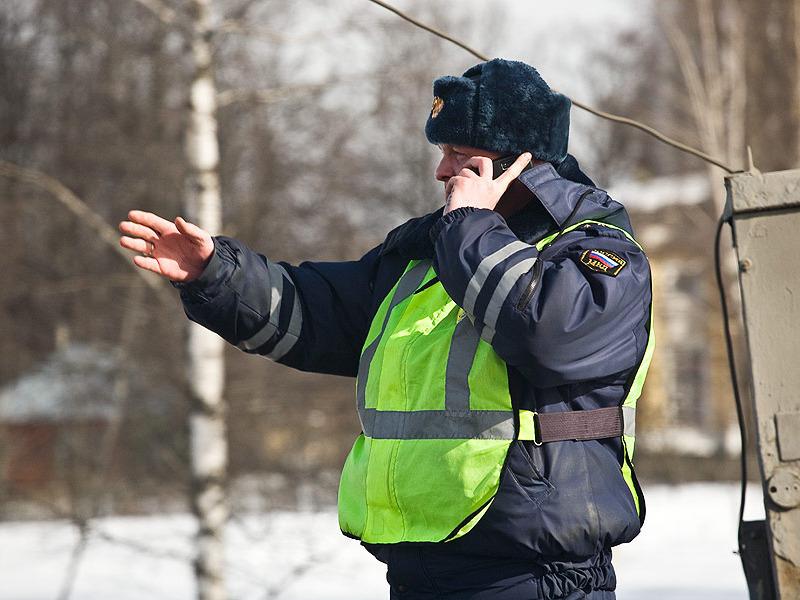 ...на 300 рублей - до 1 тысячи - повысится штраф за проезд на запрещающий сигнал светофора или жест регулировщика.