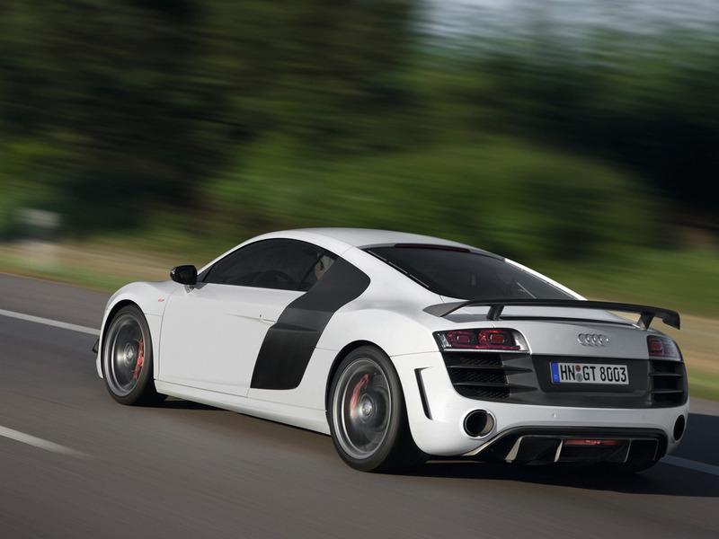 Audi R8 обновится уже в этом году