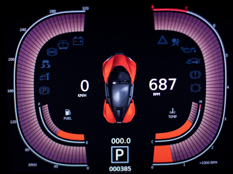 Marussia B2 интерьер дисплей система управления