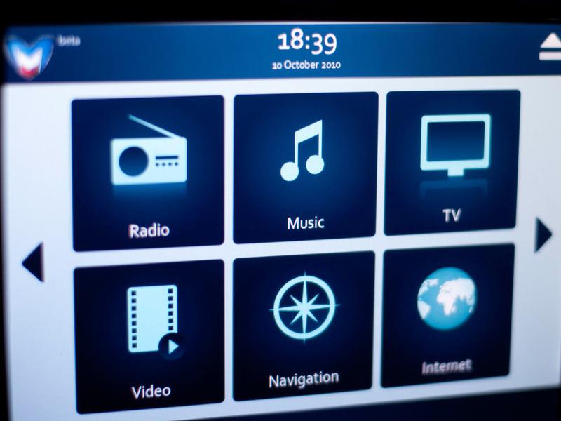 Marussia B2 интерьер мультимедиа