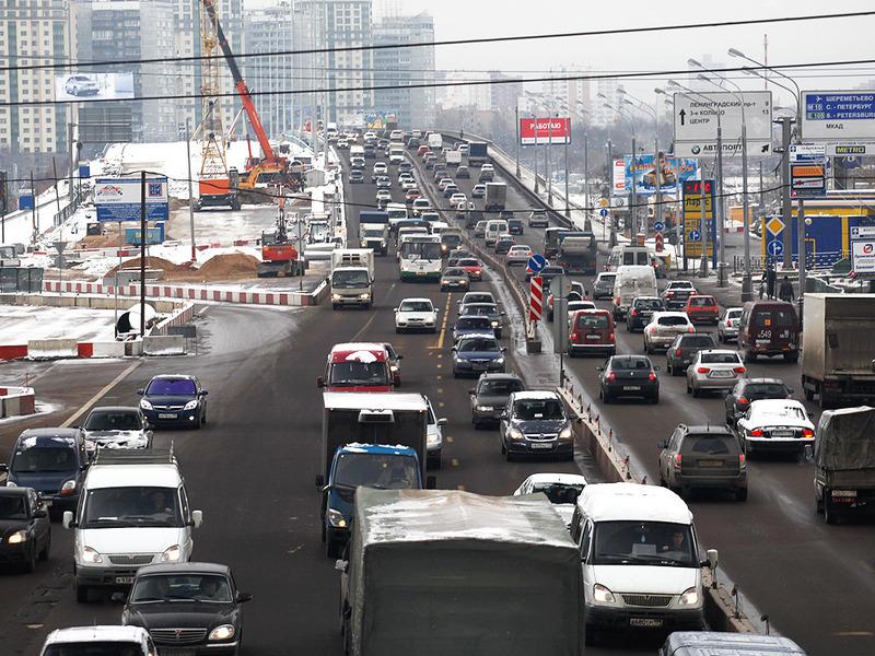 Во все российские автомобили встроят чипы