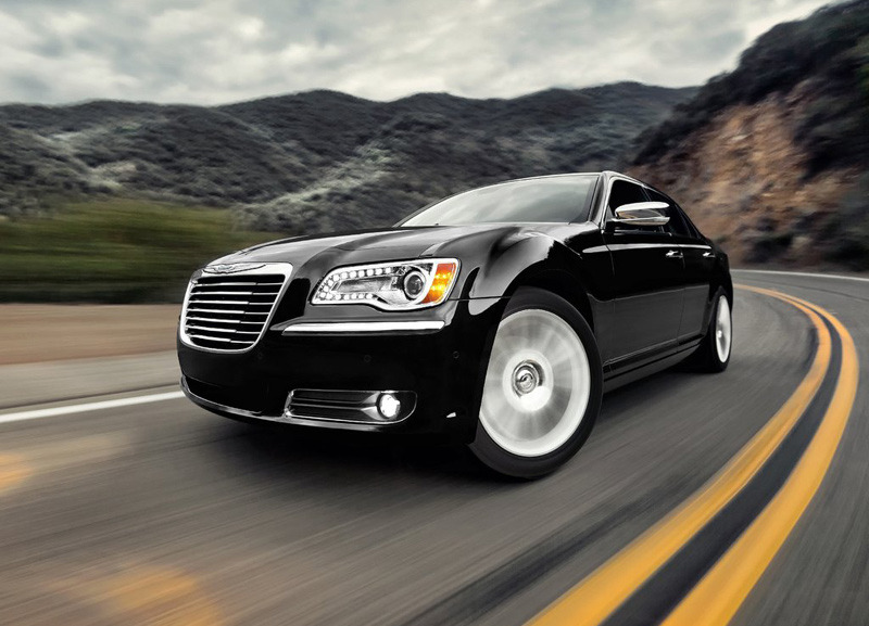В Сети появились российские цены на новый Chrysler 300C