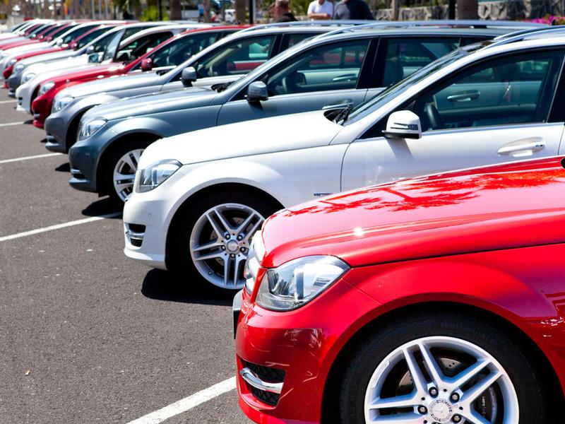Продажи автомобилей в Европе упали до 14-летнего минимума