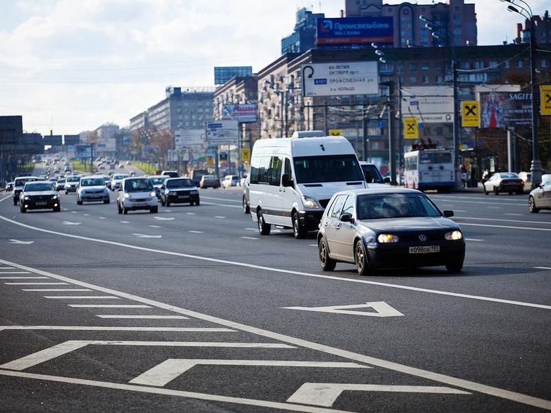Москвичам разрешат ездить по выделенкам с апреля