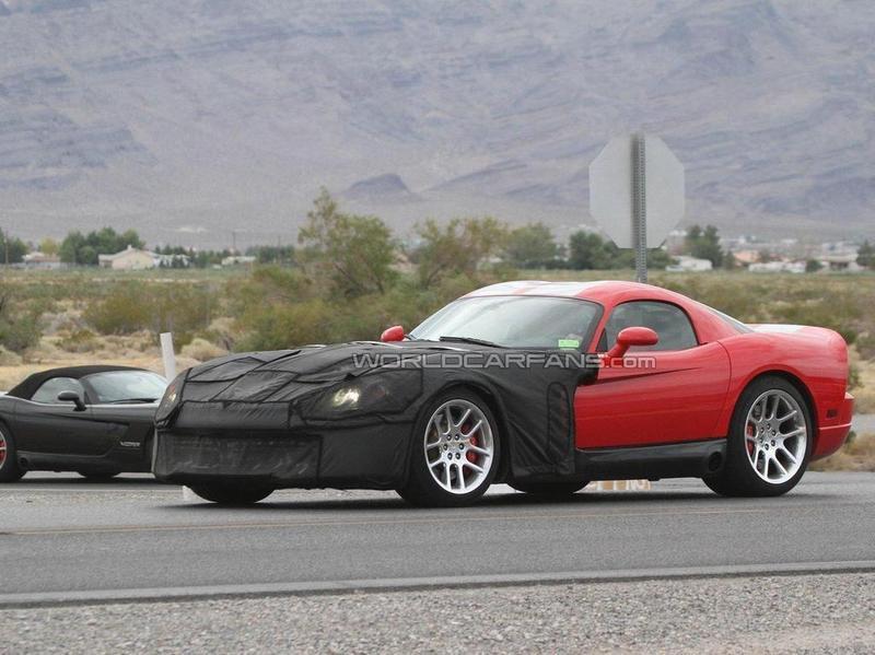 2013 Dodge Viper Coupe & Roadster spy