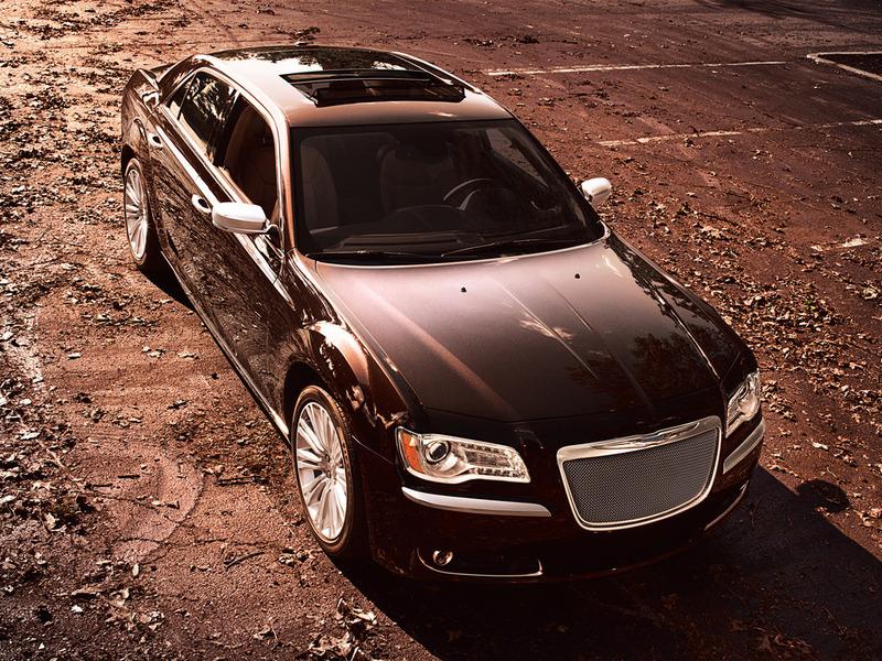Chrysler 300 получил более бюджетную люкс-версию