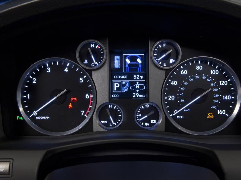 Lexus LX570 пережил рестайлинг