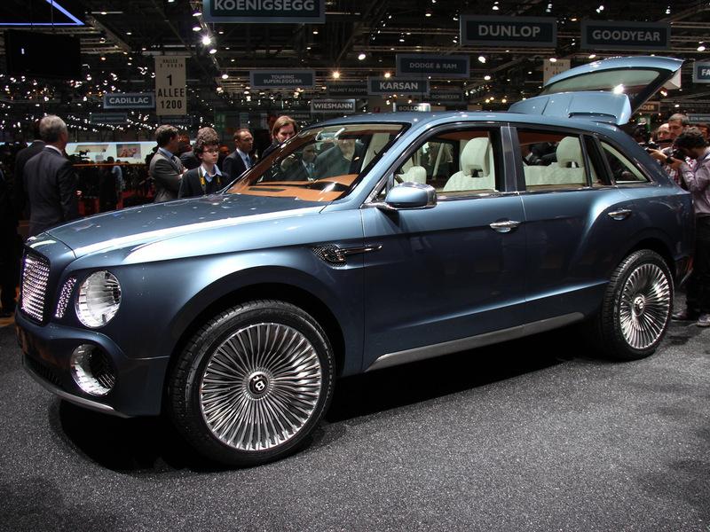 Bentley привез в Женеву первый кроссовер