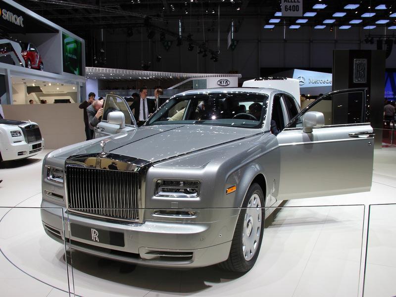 Rolls-Royce Phantom пережил первый рестайлинг
