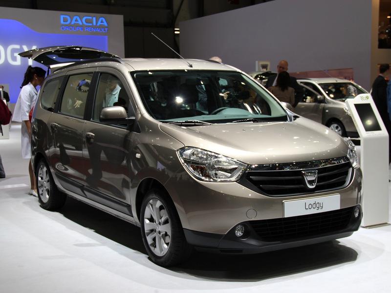 Бюджетный минивэн Dacia Lodgy показали европейцам