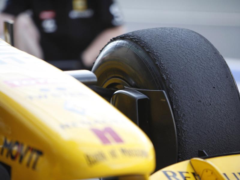 Pirelli представила новый тестовый болид