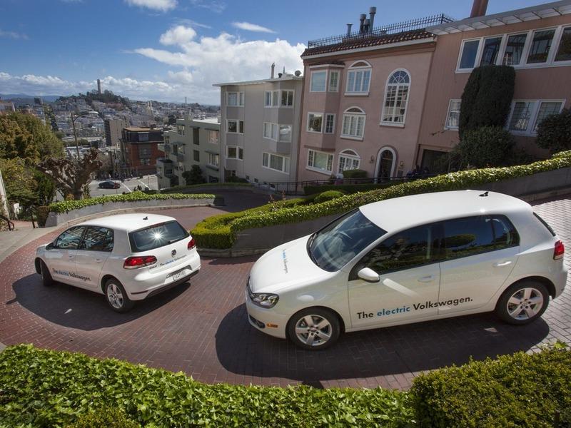Volkswagen выведет на дороги США сразу 20 электро-Гольфов