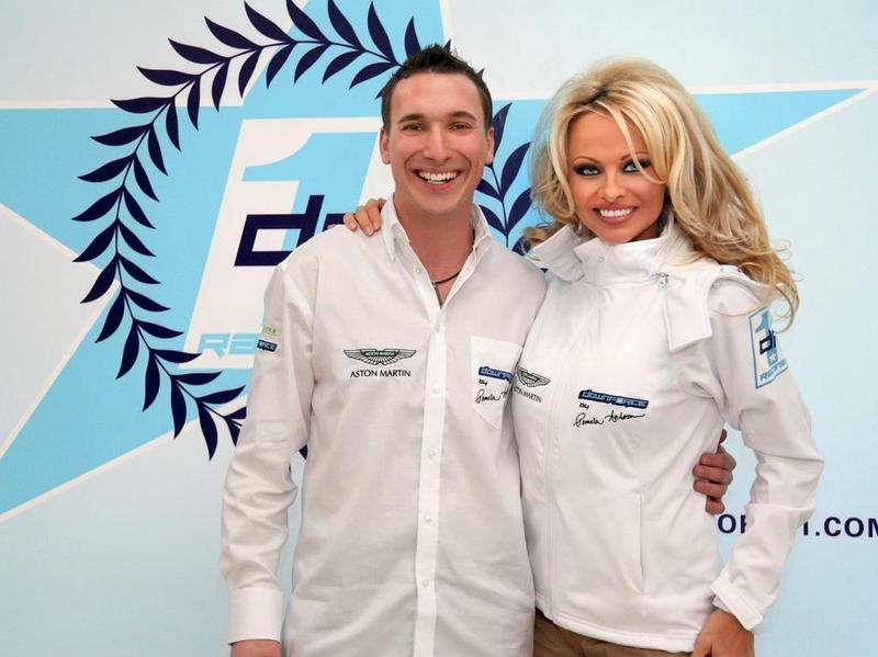 Памела Андерсон обзавелась собственной гоночной командой