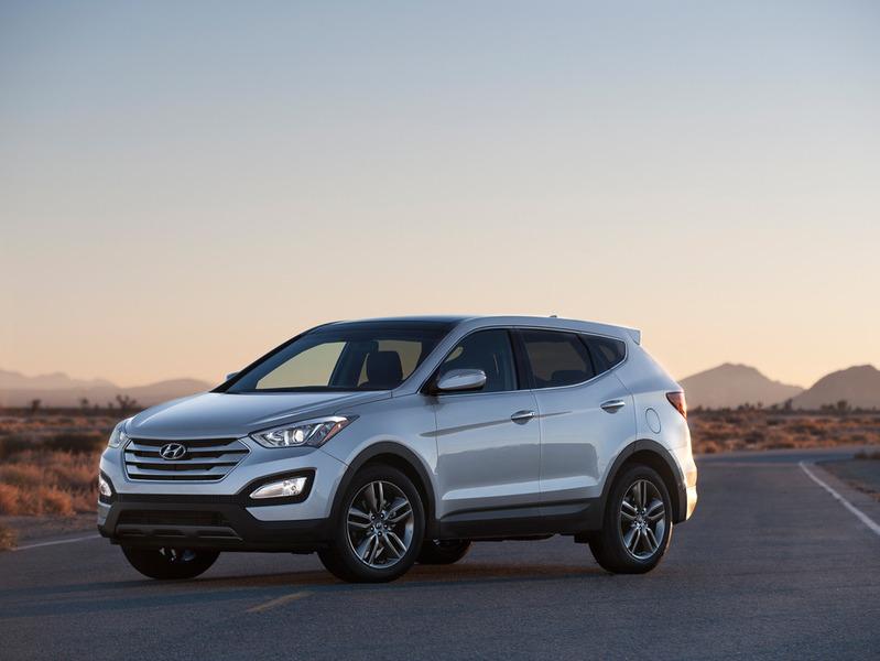 Hyundai показал новый Santa Fe и его спортивную версию