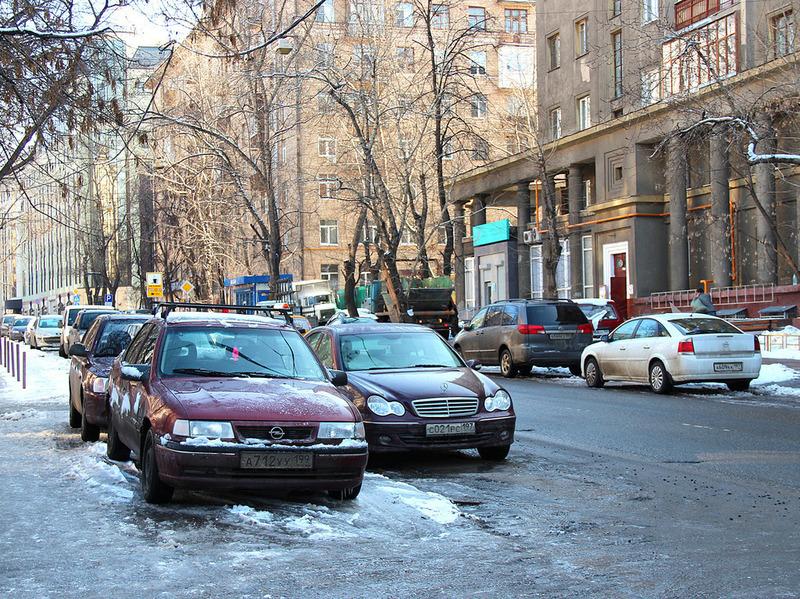 Нарушения правил парковки будут фиксировать 100 спецмашин