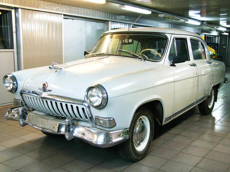 Какие машины купили себе чиновники за 2011 год