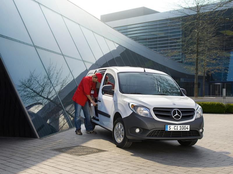 Mercedes-Benz Citan может оказаться перелицованным Renault Kangoo