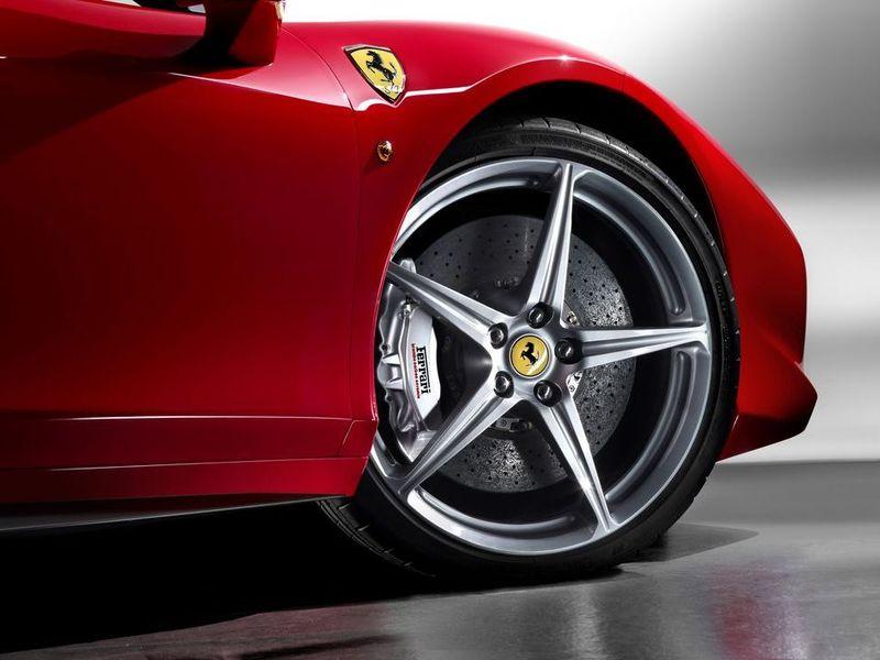 Ferrari откажется от применения формульных технологий в гибридах