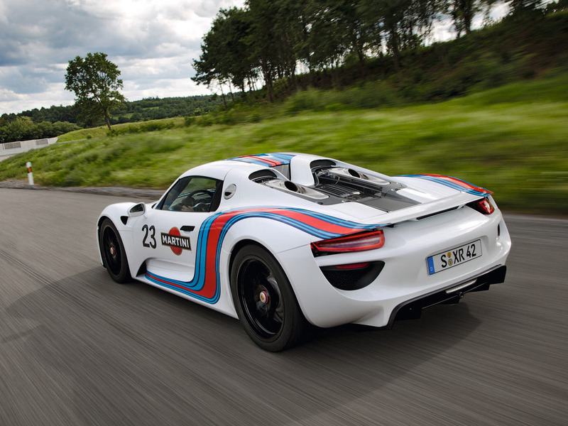 Prototype Porsche 918 Spyder in Martini Racing design