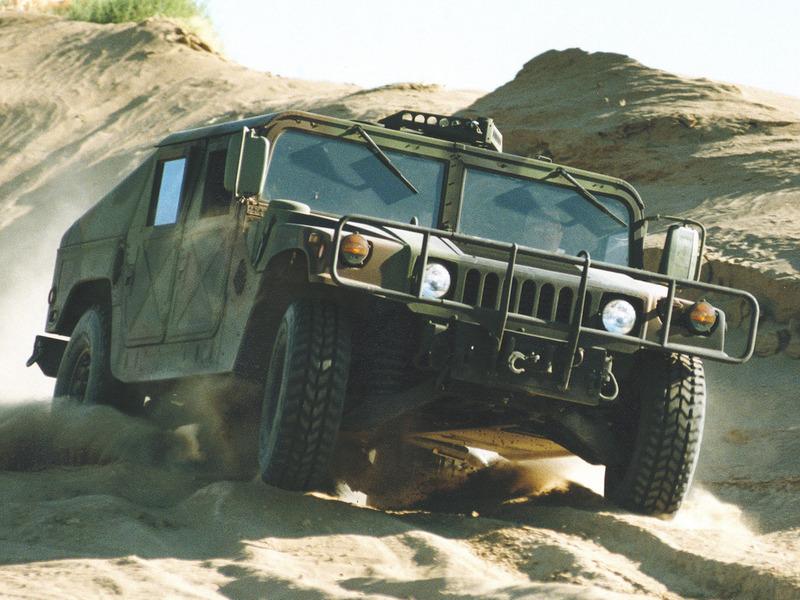 Hummer H1 (Хаммер Х1) - это внедорожник, который выпускает компания General Motors.