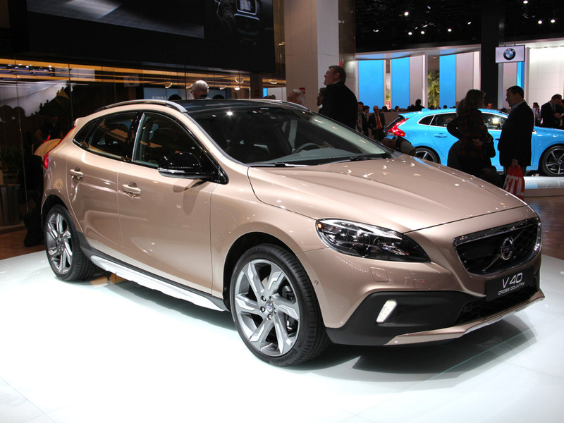 Volvo V40 Cross Country Париж