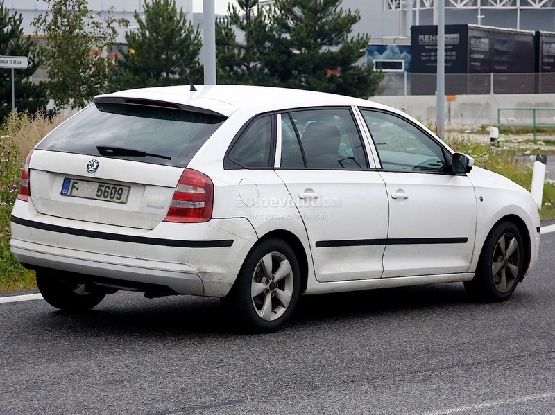Skoda Rapid Spaceback spy