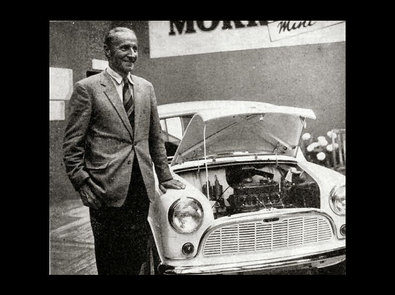 Issigonis and the Mini at its launch in August 1959 Алек Иссигонис