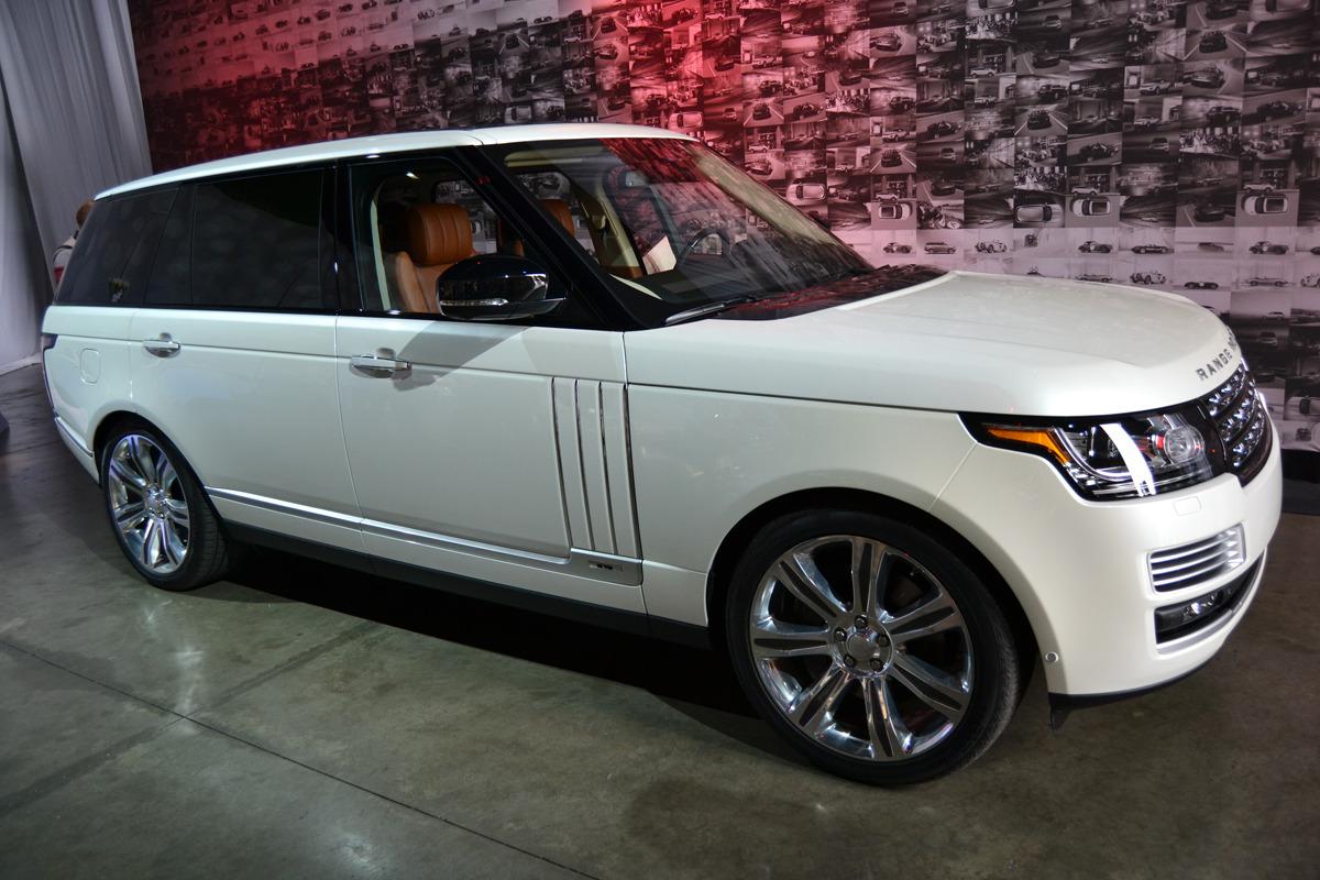 В Лос-Анджелесе представили удлиненный Range Rover