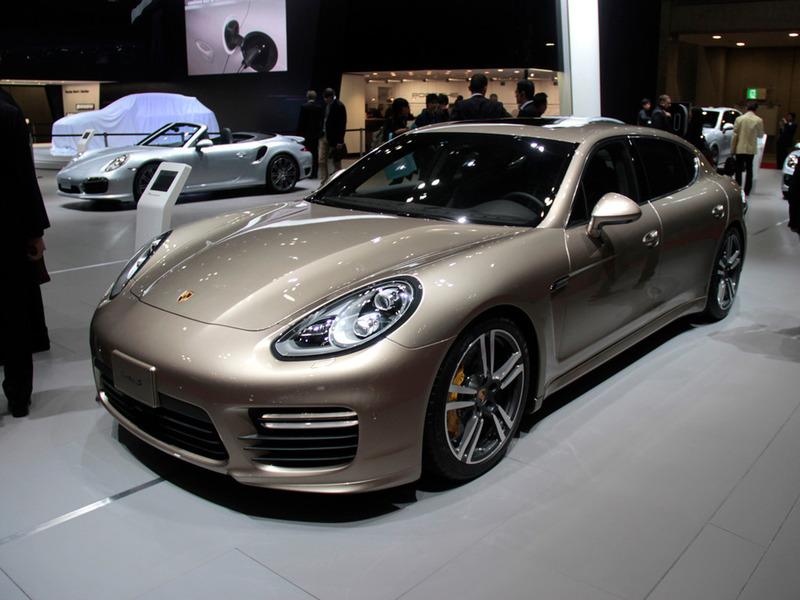 Премьера самой мощной Porsche Panamera состоялась в Токио