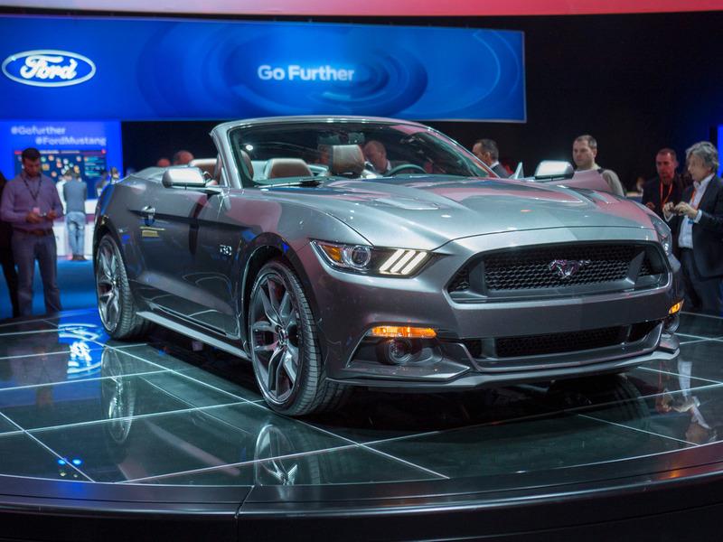 Кабриолет Ford Mustang начнут продавать в 2014 году