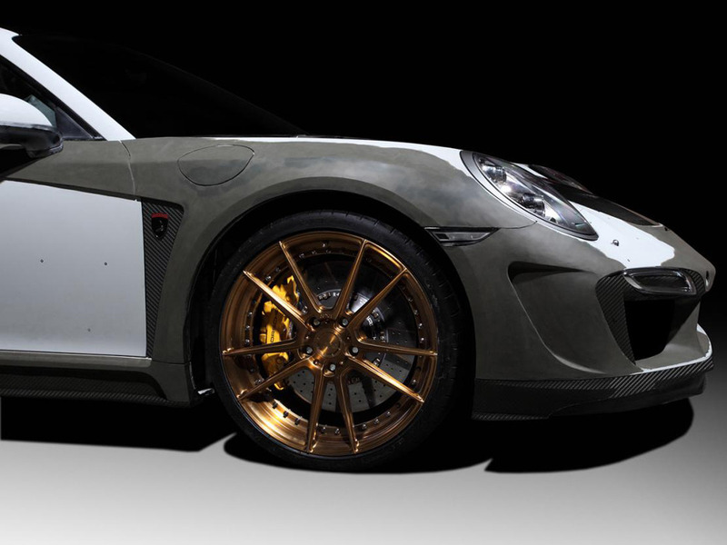 - Porsche 911 Turbo 4