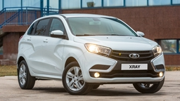 Новейший кроссовер Lada XRAY отрастит колеса побольше