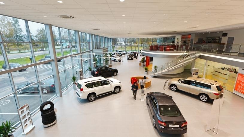 Продажи автомобилей в России выросли на 15%