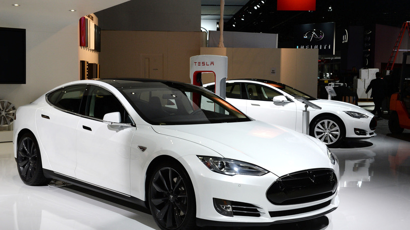 Tesla: пикапов пока не будет, но конкурента BMW 3 Series сделаем