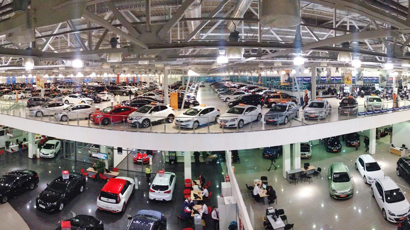 Российские продажи автомобилей в 2016 году упали на 11%