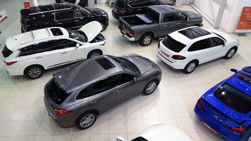 Из автосалона в Москве угнали 13 элитных автомобилей