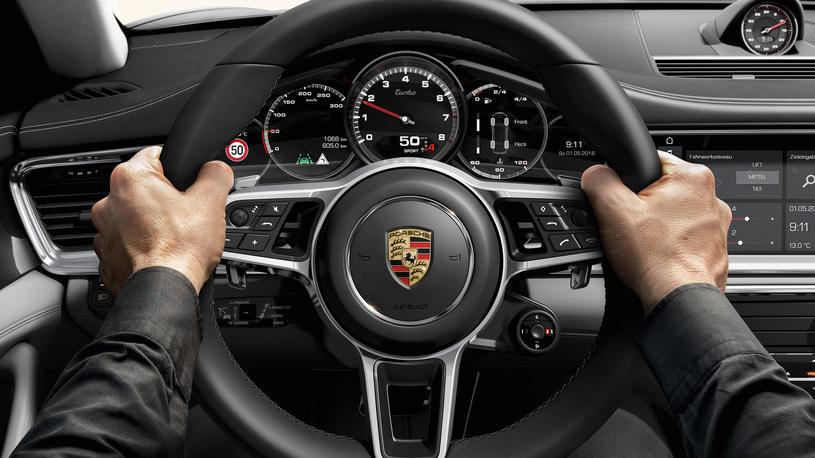 Посчитали-прослезились: цифровая приборная панель Porsche Panamera