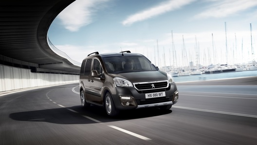 Peugeot обновила модель Partner