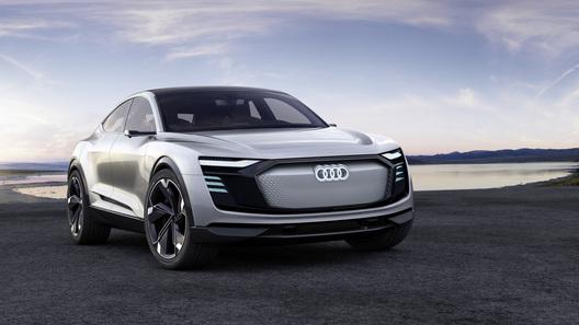 Электрический Audi e-tron Sportback встанет на конвейер в 2019 году