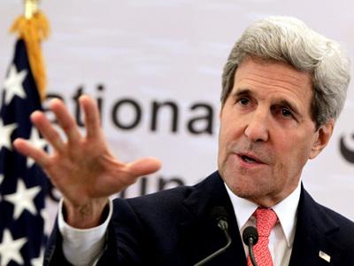 Госдеп: Керри будет лечить перелом ноги в США