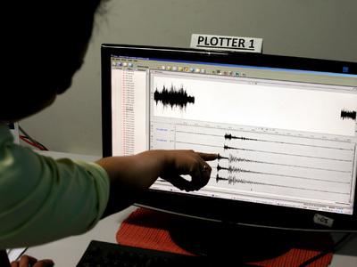 Землетрясение в Индонезии вызвало у населения панику