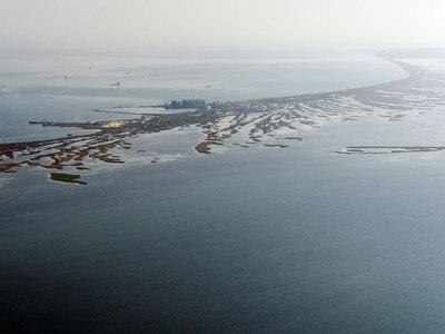 Сильный ветер приостановил работу переправы через Керченский пролив