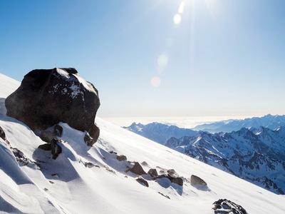 Спасатели эвакуировали четырех альпинистов со склонов Эльбруса