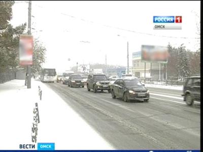 Сильнейший снегопад в Омске: длина пробок составила 150 километров