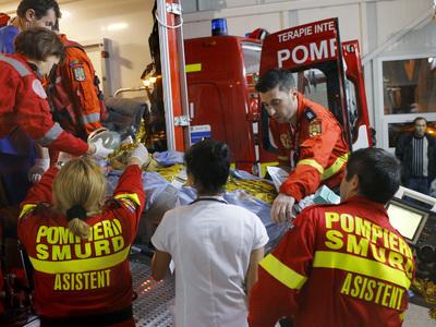 Число жертв пожара в ночном клубе в Бухаресте возросло до 29