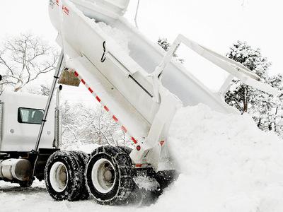 Снегопад парализовал работу аэропорта Денвера
