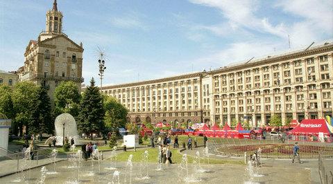 Киев избавляется от всего московского